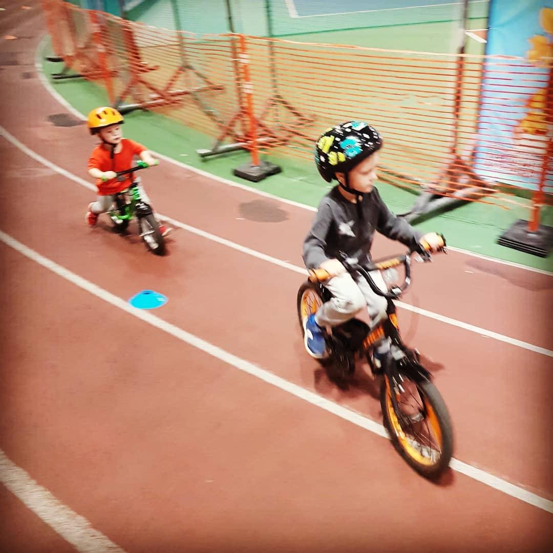 От беговела к велосипеду. Обучение